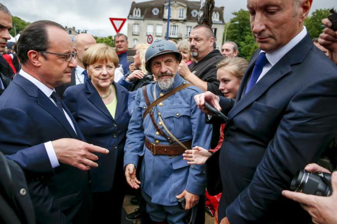 François Hollande et Angela Merkel participe à la commémoration du centenaire de la bataille de Verdun. Verdun, dimanche 29 mai 2016.