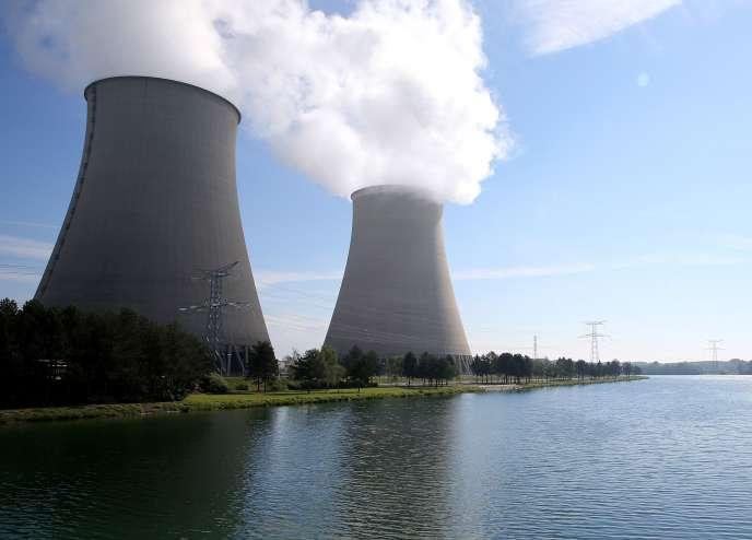 «Notre « moteur nucléaire » a été délaissé par le gouvernement en place, qui n'a pas voulu réfléchir à la manière dont, sur trente ans, il faudrait remplacer, prolonger ou démanteler une partie du parc en l'articulant avec l'arrivée des troisième et quatrième générations de réacteurs»(Photo: centrale nucléaire de Nogent-sur-Marne, 2016).