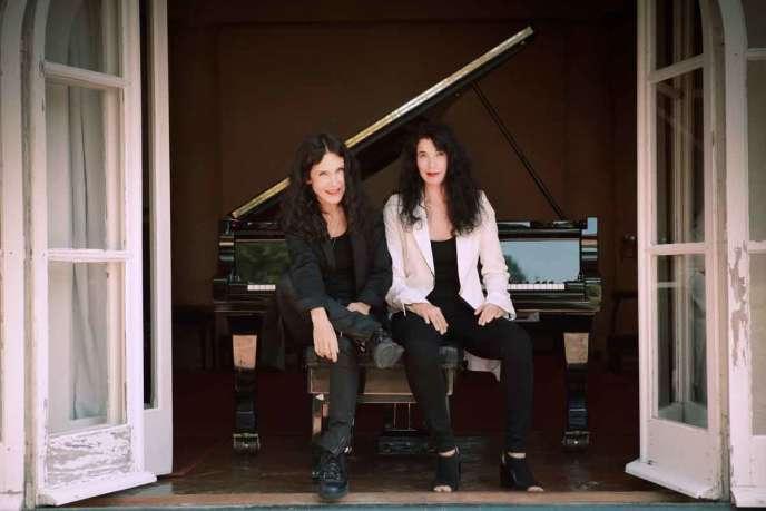 Katia et Marielle Labèque ont été initiées au piano par leur mère.