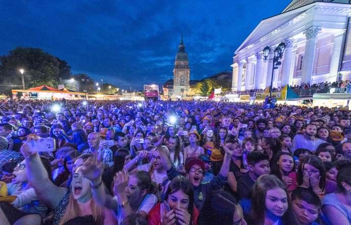 Le 26 mai lors du festival de Schlossgrabenfest, à Darmstadt, où une dizaine de femmes ont déclaré avoir été victimes d'agressions sexuelles cette année.