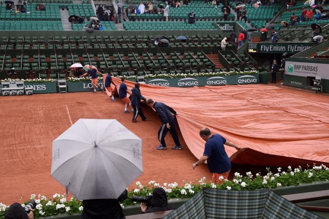 Comme souvent, le début du tournoit de tennis se fait sous la pluie. Roland-Garros est-il vraiment aussi humide qu'on en a l'impression ? Quelques chiffres sur la question.