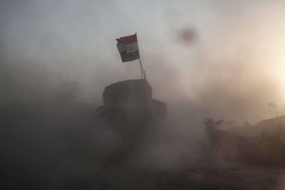 Le blindé du major Salam, commandant du premier bataillon de la Golden Division, sur le front faisant face à Shuhada.