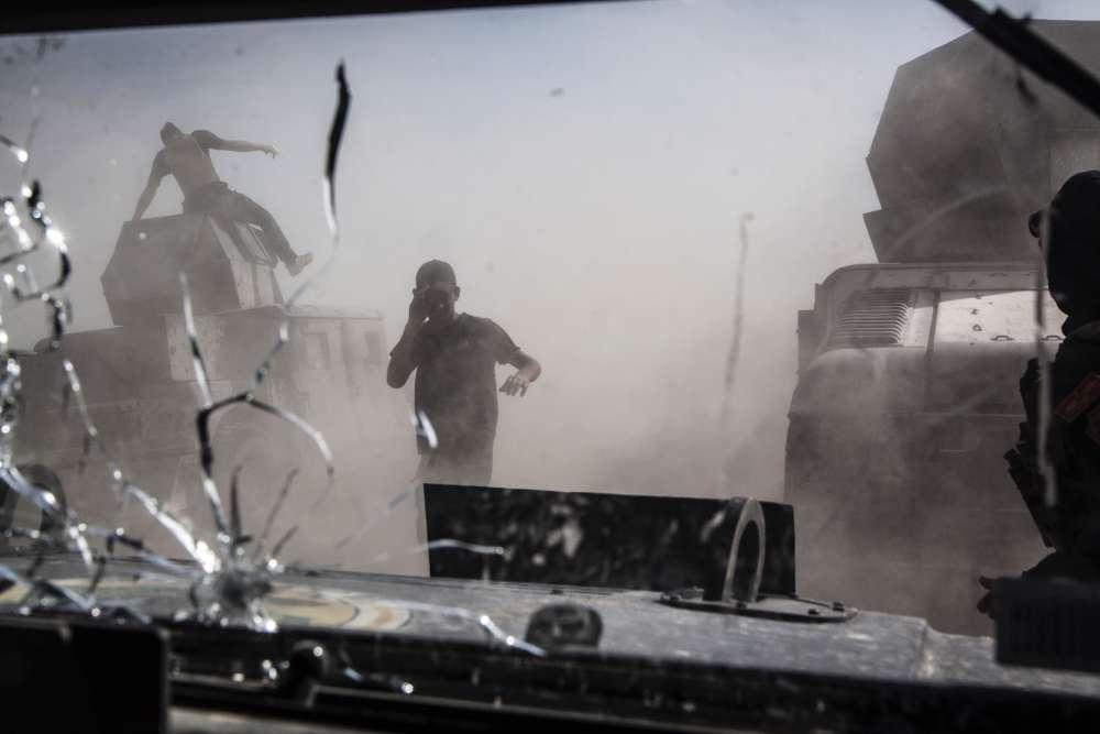 Les Humvees de la Golden Division, une unité d'élite des Forces antierroristes iakiennes sur le front deShuhada, un faubourg du sud de Fallouja, dans le centre de l'Irak, le 31 mai 2016.