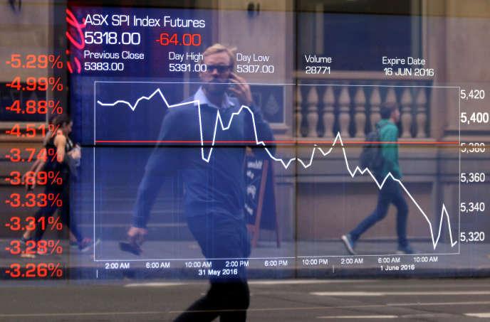 Evolution des cours de la Bourse à Sydney, le 1er juin 2016.