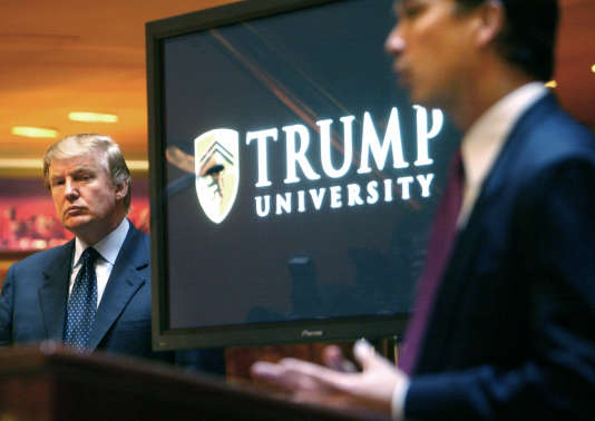 Le 23 mai 2005, Donald Trump annonce à New York la création de la « Trump University ».