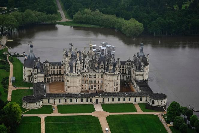 Lechâteau de Chambord a lancé un appel aux dons pour financer les réparations des dégâts causés par les inondations.