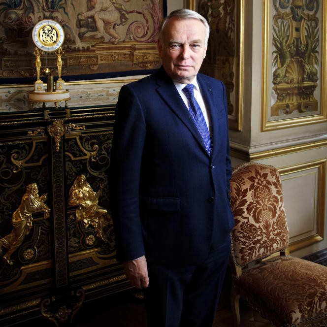 Le ministre français des affaires étrangères dans son bureau à Paris, mardi 31 mai 2016.