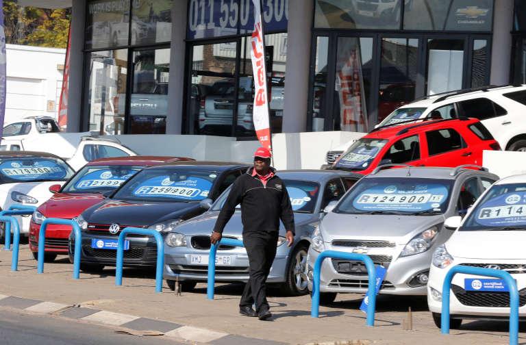 Une concession automobile à Johannesburg, le 3 juin 2016.