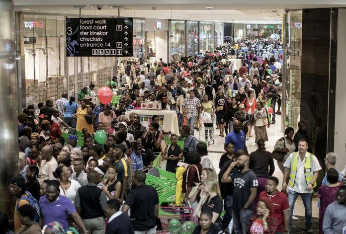 123 000 personnes étaient présents le 28 avril pour l'ouverture du Mall of Africa.