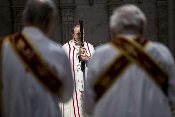 Le cardinal Philippe Barbarin préside une messe à Lyon, le 3 avril.