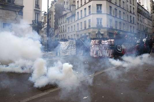 Le 4 juin 2016 à Paris, lors de la commération de la mort de Clément Méric.