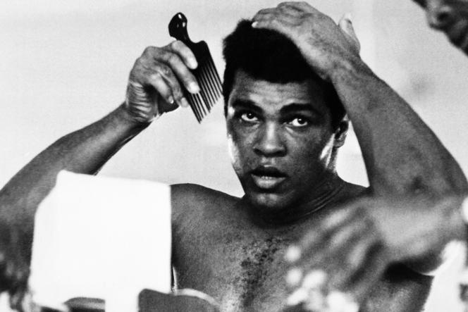 Mohamed Ali, avantl'un des combats les plus légendaires de l'histoire de la boxe – contre George Foreman – organisé à Kinshasa, au Zaïre, le 30 octobre 1974.