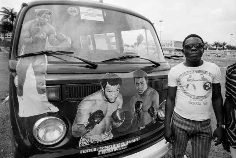 Dans une rue de Kinshasa, en octobre 1974.