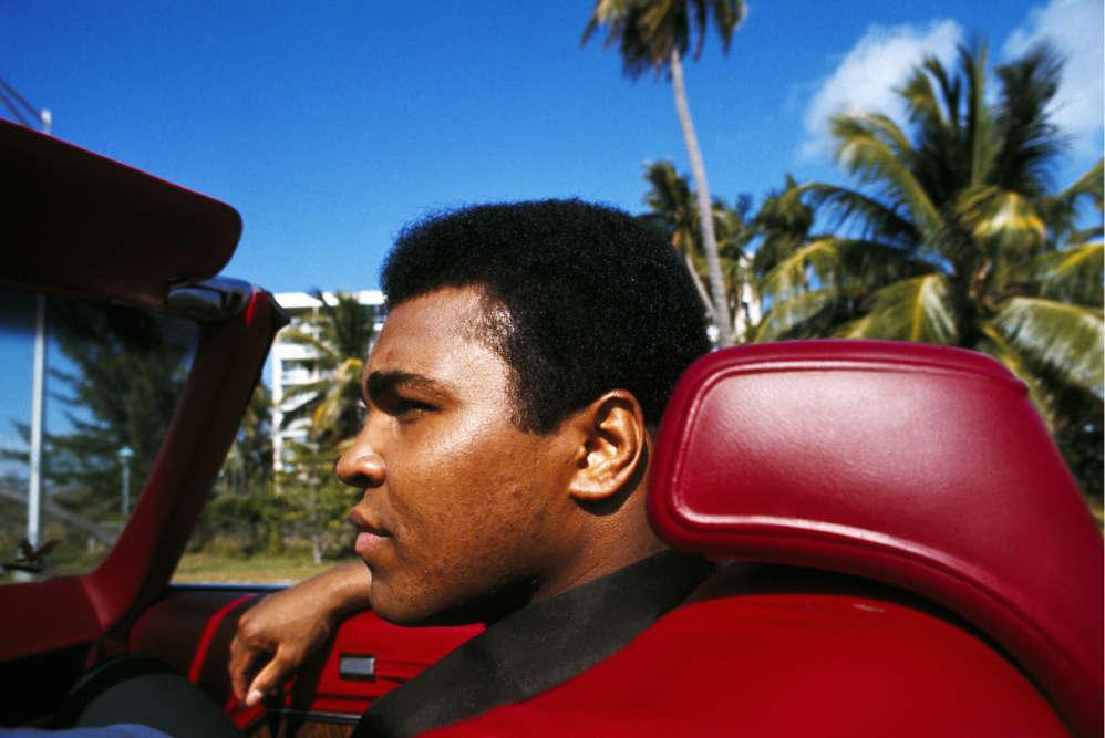Dans son cabriolet. Miami, 1970.