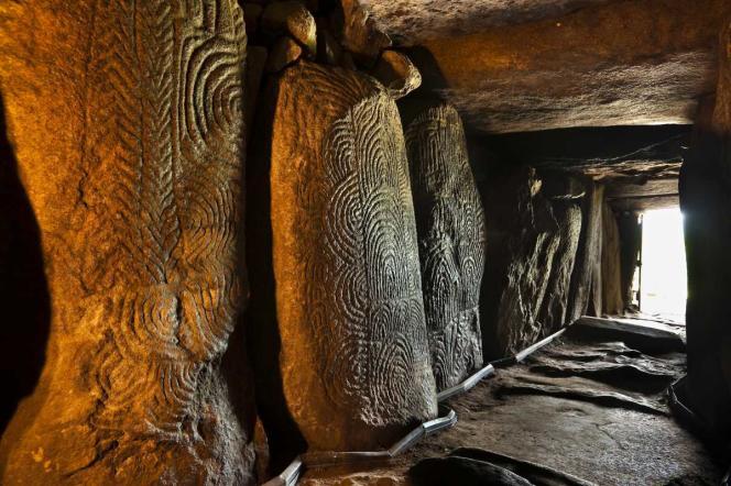 Le cairn de Gavrinis considéré comme l'un des plus beaux monuments mégalithiques au monde.