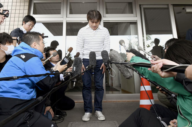 Takayuki Tanooka s'excuse publiquement, le 3 juin 2016.