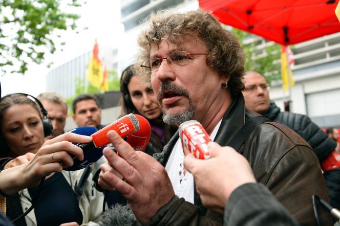 Gilbert Garrel, le secrétaire général de la fédération CGT des cheminots, tout en affichant sa solidarité avec la ligne radicale de la confédération, a des préoccupations liées à la préservation de sa prédominance à la SNCF.