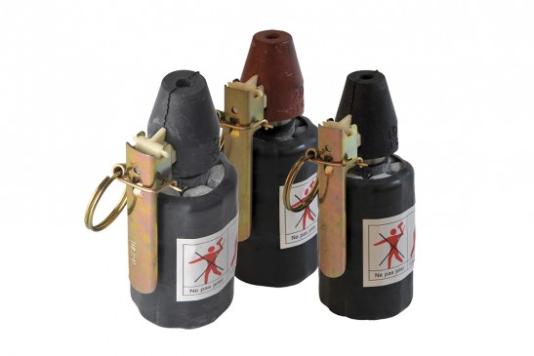 Des grenades de désencerclement fabriquées par Verney-Carron Security.