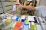 Dans une pharmacie à Toulouse. Le 1er juin a été décidée la baisse du prix de plus de 600 médicaments génériques.
