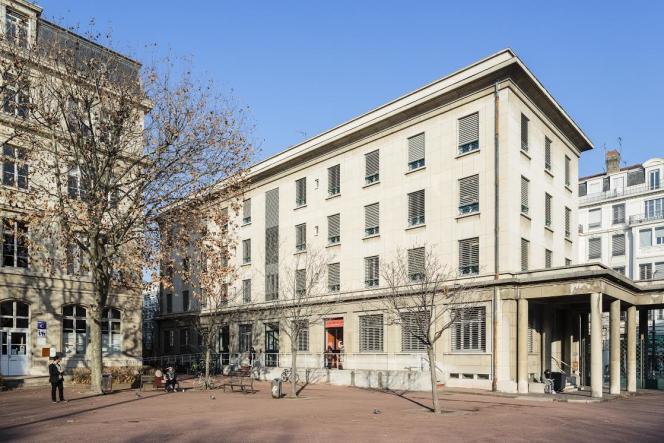 l'IEP de Lyon (Sciences Po Lyon) a été fondé en 1948.