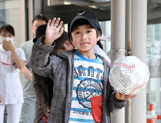 Yamato Tanooka sort de l'hôpital, le 7 juin.