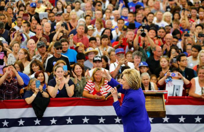 La candidate à l'investiture démocrate Hillary Clinton àLong Beach, en Californie, lundi 6 juin 2016.