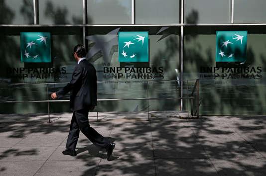 Une agence BNP Paribas à Madrid, le 7 juin.
