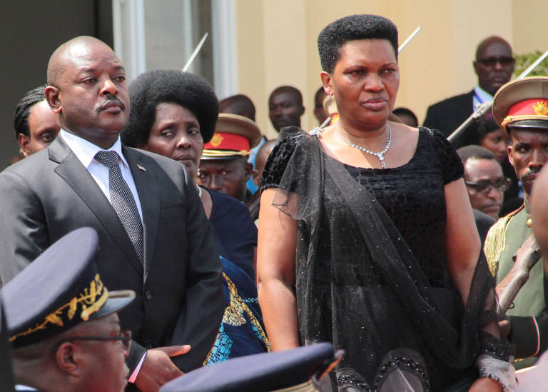 Le président du Burundi, Pierre Nkurunziza avec sa femme Denise Nkurunziza lors de la cérémonie en l'honneur de l'ancien présidentJean-Baptiste Bagaza, le 16 mai à Bujumbura.