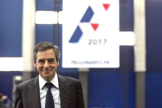 Pour François Fillon, «Le premier responsable de ce chaos, c'est François Hollande. Parce qu'il n'a jamais su prendre de décisions difficiles, il s'en tient depuis quatre ans à des petits compromis au jour le jour. »
