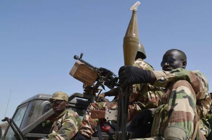 Des soldats de l'armée du Niger, en mai 2015.