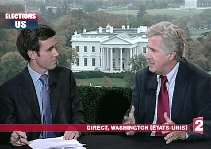 En novembre 2008, lors de l'élection présidentielle américaine,le présentateur du JT de France 2, David Pujadas, interroge le correspondant permament aux Etats-Unis de 2003 à 2010, Alain de Chalvron. Ce dernier est l'auteur du rapport sur le fonctionnement de l'information dans le groupe public remis, samedi 4 juin, à Delphine Ernotte, présidente de France Télévisions.