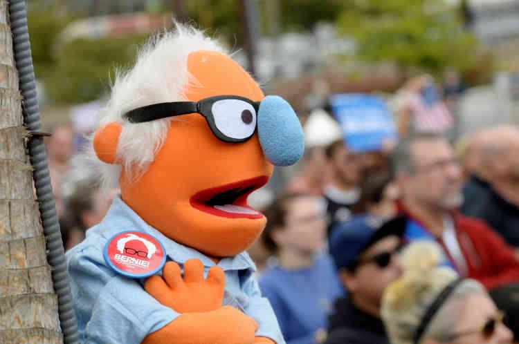 Une marionnette à l'effigie de Bernie Sanders, lors d'un rassemblement à San Pedro, en Californie, le 27mai.
