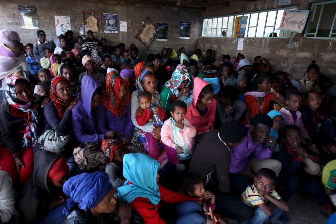 Des réfugiés érythréens à leur arrivée en Ethiopie, en février 2016