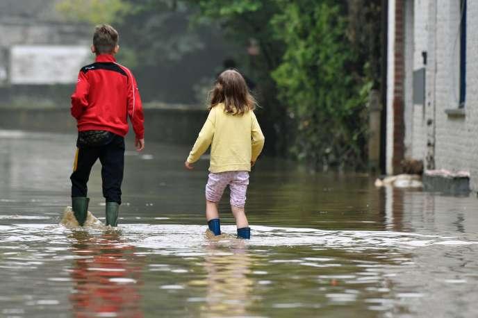 Un premier arrêté interministériel reconnaissant l'état de catastrophe naturelle dans 782communes situées dans 16départements sera publié jeudi au « Journal officiel ».