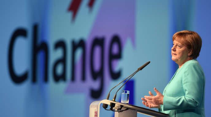 La chancelière allemande, Angela Merkel, lors du congrès de l'Association des industriels allemands de l'énergie, mardi 8 juin, à Berlin.