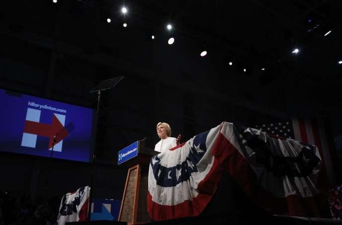 La candidate démocrate à l'élection présidentielle des Etats-Unis, Hillary Clinton, près de son quartier général de Brooklyn à New York, mardi 7 juin 2016.