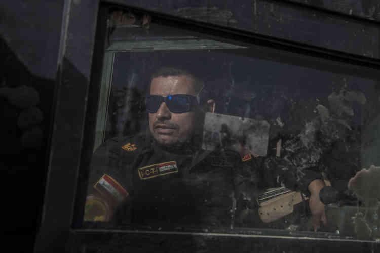 Toujours en tête de colonne sous les ordres du général Haydar Fader Kourzouki, le major Salam Jassim Husseina choisi de progresser lentement, certains jours d'une centaine de mètres seulement, tant le minage du terrain est dense et dangereux.