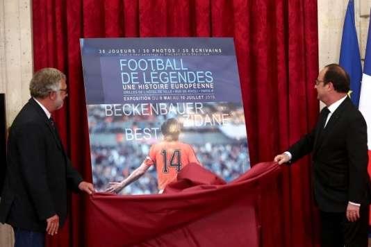L'exposition se tient actuellement à l'Hôtel de ville de Paris.