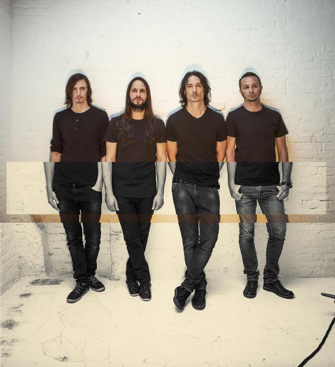Le groupe de death metal français Gojira en 2016. De gauche à droite : Mario Duplantier (batterie),Christian Andreu (guitare solo), Joe Duplantier (voix, guitare rythmique), Jean-Michel Labadie (basse).