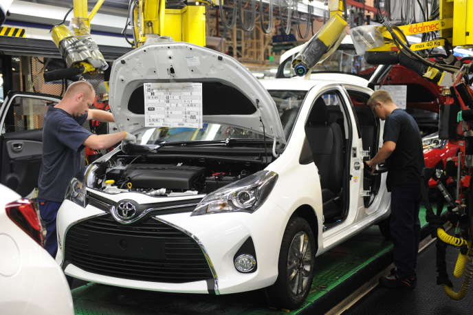 Dans l'usine Toyota d'Onnaing (Nord).