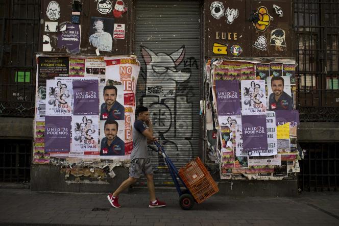 Les élections législatives espagnoles se tiennent dimanche 26 juin. Le retour des exilés est un des arguments de la campagne.