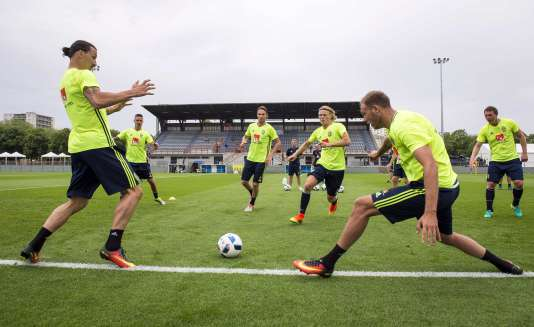 Une séance d'entraînement de l'équipe de Suède avant le début de l'Euro 2016, à Saint-Nazaire, le 10 juin.
