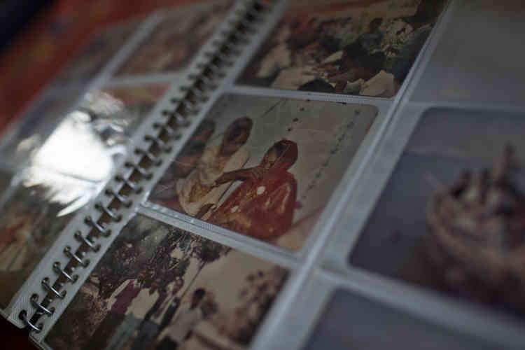 L'album de photos de famille du professeur.
