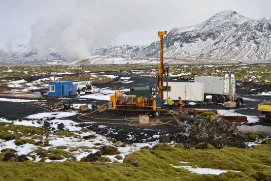 Le site pilote d'injection de CO2CarbFix I, en Islande, lors de carottages réalisés en 2014 pour étudier la minéralisation de ce gaz à effet de serre.
