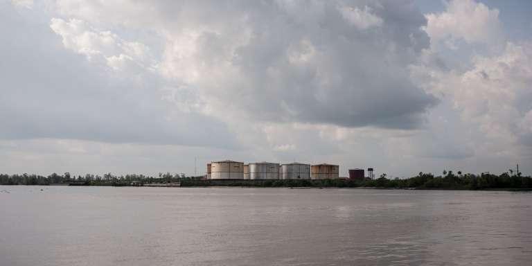 Une installation pétrolière à Warri, dans l'Etat du Delta, au Nigeria, 8 juin 2016.