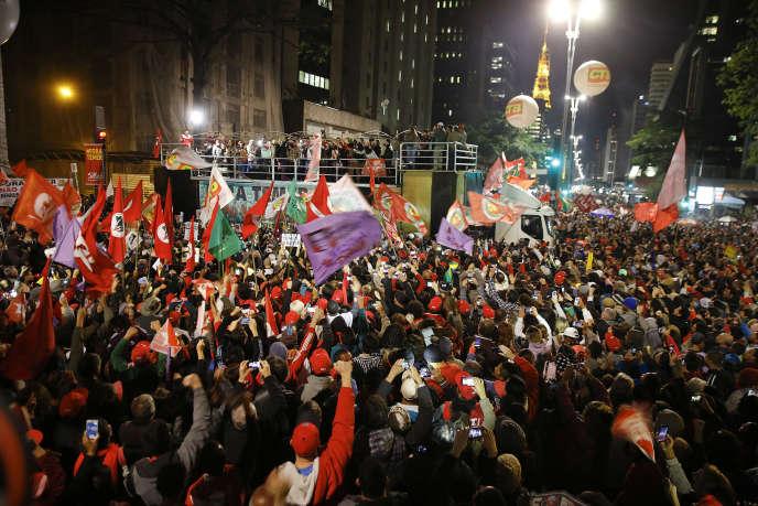 Manifestation contre le président par intérim Michel Temer à Sao Paulo, vendredi 10 juin.