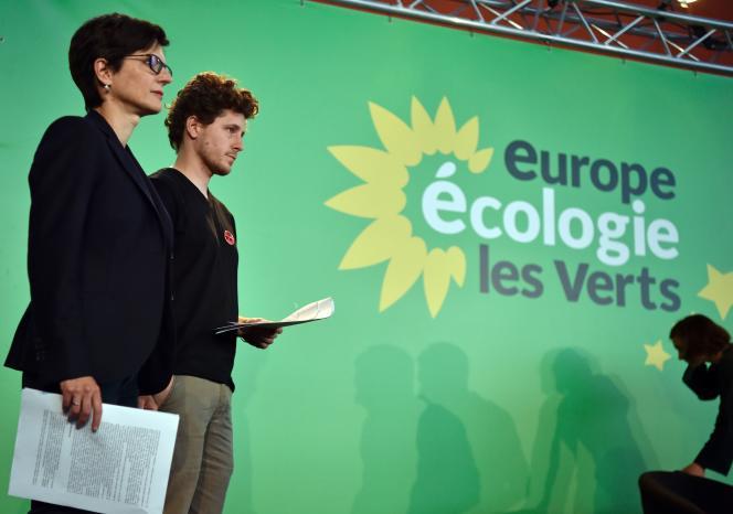 Sandrine Rousseau, et Julien Bayou, portes parole lors du congres federal du parti EELV le 11 juin à Pantin.