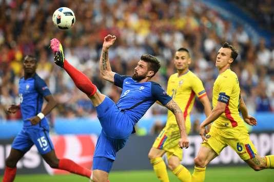 Olivier Giroud pendant le match contre la Roumanie, le 10 juin.