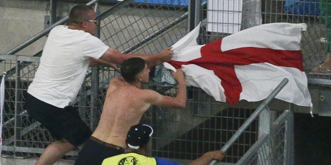 Les incidents se sont poursuivis à l'intérieur du Stade-Vélodrome.