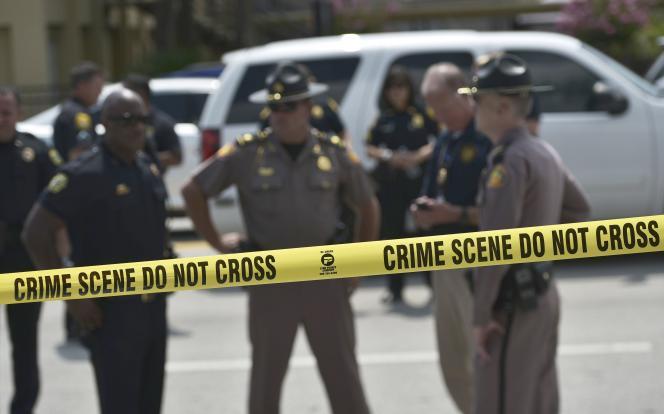 Policiers sur les lieux de la fusillade d'Orlando, le 12 juin.